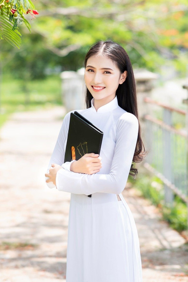 Hoa khôi Thùy Trang: Chừng nào Sài Gòn hết dịch, con về thăm nhà - 7