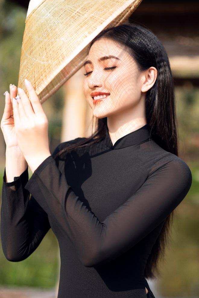 Hoa khôi Thùy Trang: Chừng nào Sài Gòn hết dịch, con về thăm nhà - 10