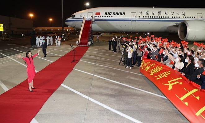Vì sao Trung Quốc trải thảm đỏ đón bà Mạnh Vãn Chu? - 2