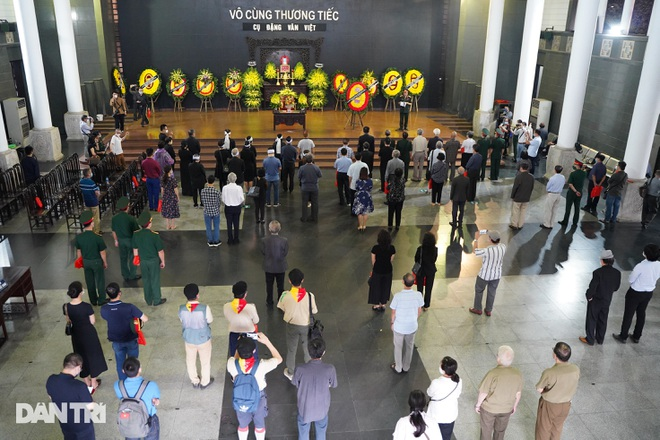 Lễ tang Hùm xám đường số 4 - Trung tá Đặng Văn Việt - 11