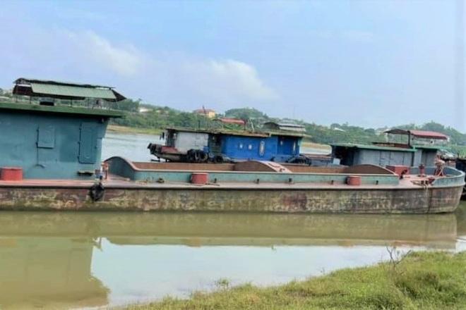 Ba cô gái trẻ vượt sông từ Hà Nam về Ninh Bình để trốn khai báo y tế - 1
