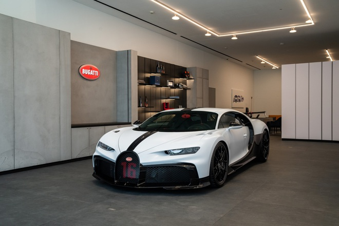 Hoa mắt chóng mặt với chi phí bảo dưỡng xe Bugatti Chiron Pur Sport - 3