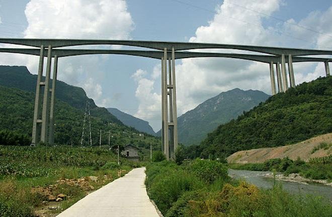 Choáng ngợp với hình ảnh một trong những cây cầu chân dài nhất thế giới - 2
