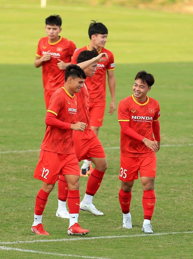 Đội tuyển Việt Nam đón tin cực vui trước trận gặp Trung Quốc - 2