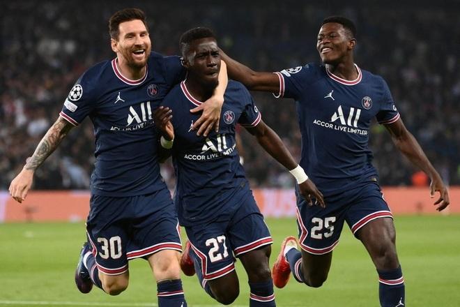 Messi phô diễn đẳng cấp siêu sao, PSG hạ gục Man City - 1