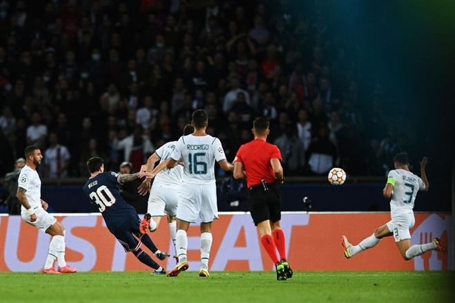 Messi PSG Man City 1.jpg
