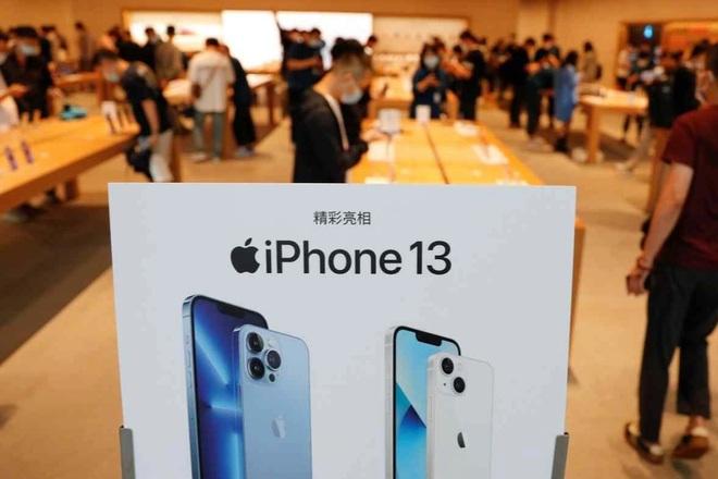 iphone-13-crop-1632905146050.jpeg