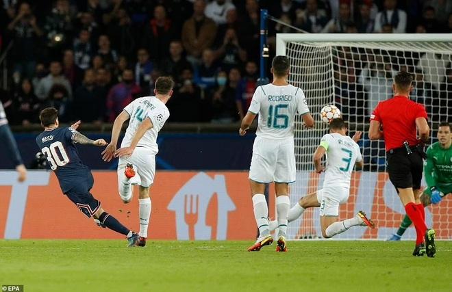 Messi, Neymar và Mbappe gây sốt với màn cởi áo ăn mừng - 1
