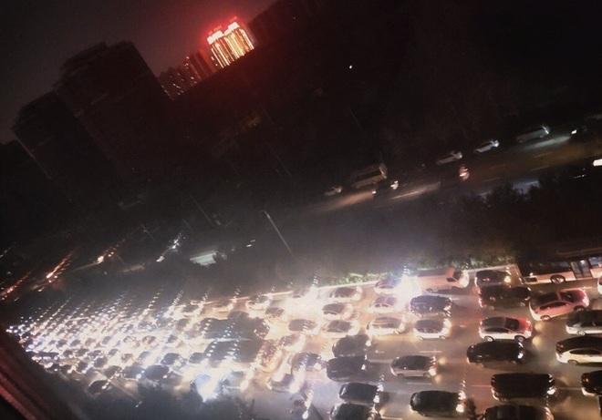 Người Trung Quốc bức xúc vì bị cắt điện chưa từng có tiền lệ - 1
