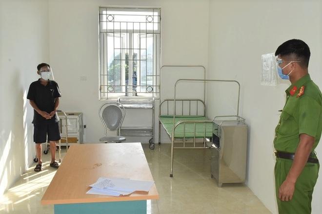 Từ Hà Nam về Ninh Bình ăn cơm, 2 người đàn ông bị xử phạt vì không khai báo - 2