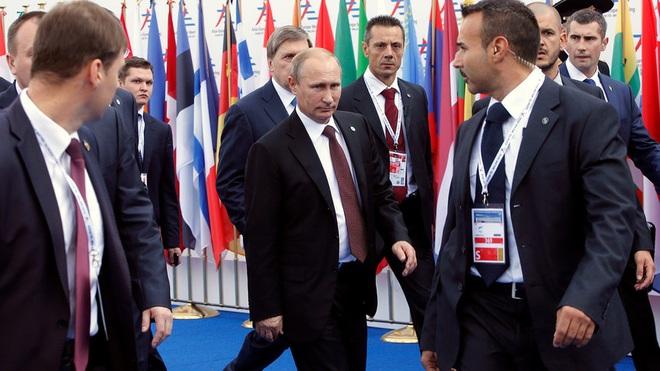 Điều ít biết về đội cận vệ lá chắn sống của Tổng thống Putin - 1