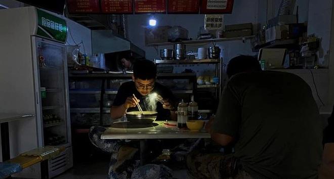 Trung Quốc: Khủng hoảng thiếu điện lan tới 2/3 tỉnh thành, thủ đô Bắc Kinh - 1