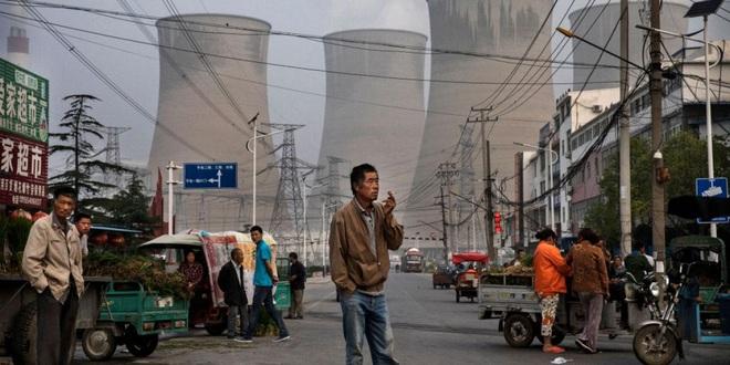 Trung Quốc tính tăng giá điện công nghiệp để giảm sức ép thiếu điện - 1