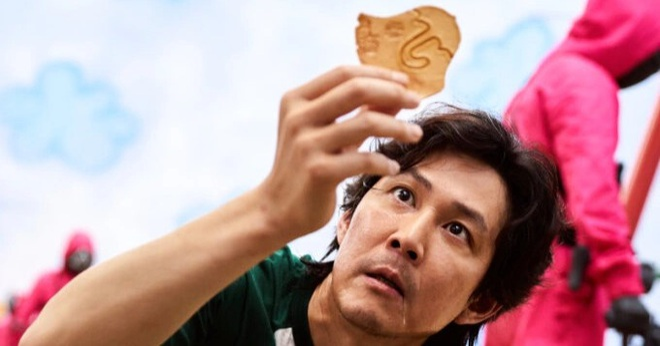 Squid Game lọt top phim Hàn tốn kém nhất, cát sê diễn viên là bao nhiêu? - 2