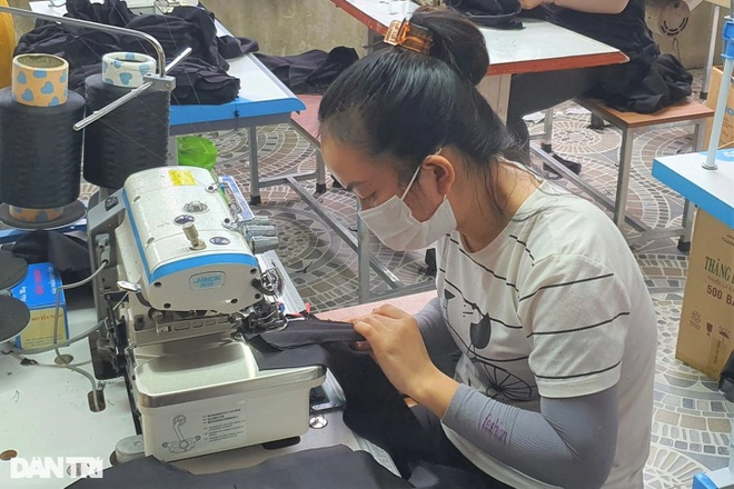 Người lao động ở Hà Tĩnh đã bắt đầu nhận hỗ trợ từ gói 38.000 tỷ đồng - 1
