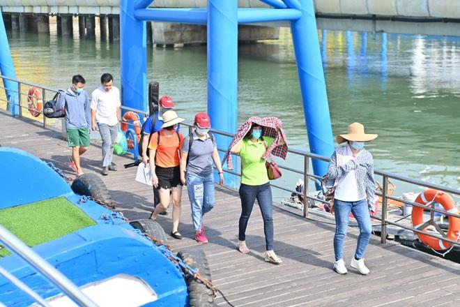 Hơn 100 ngày không có ca nhiễm cộng đồng, Quảng Ninh thay đổi chiến lược - 1