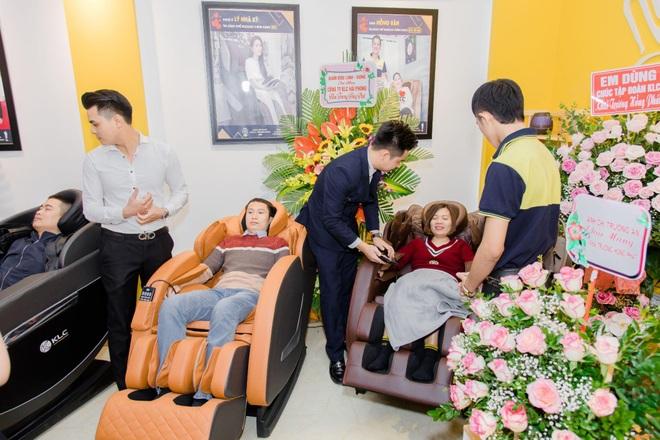Ghế massage cho mọi nhà KLC chung tay góp sức phòng, chống Covid-19 - 1