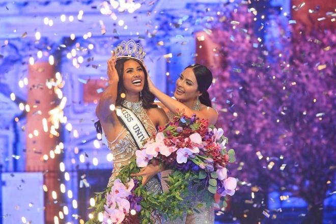Cô gái cao 1,82 m đăng quang Hoa hậu Hoàn vũ Puerto Rico - 2