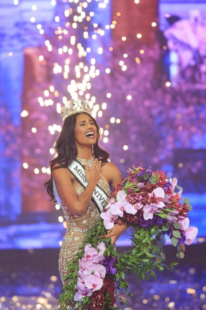 Cô gái cao 1,82 m đăng quang Hoa hậu Hoàn vũ Puerto Rico - 1
