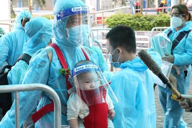 Công dân Ninh Bình ở miền Nam tiếp tục được đón về trên chuyến tàu 0 đồng - 4