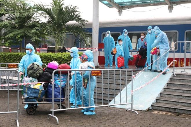 Công dân Ninh Bình ở miền Nam tiếp tục được đón về trên chuyến tàu 0 đồng - 3