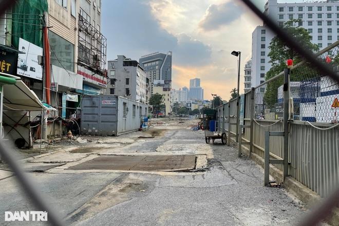 Metro Nhổn - ga Hà Nội: Công trường hoang vắng, cỏ dại mọc um tùm - 6