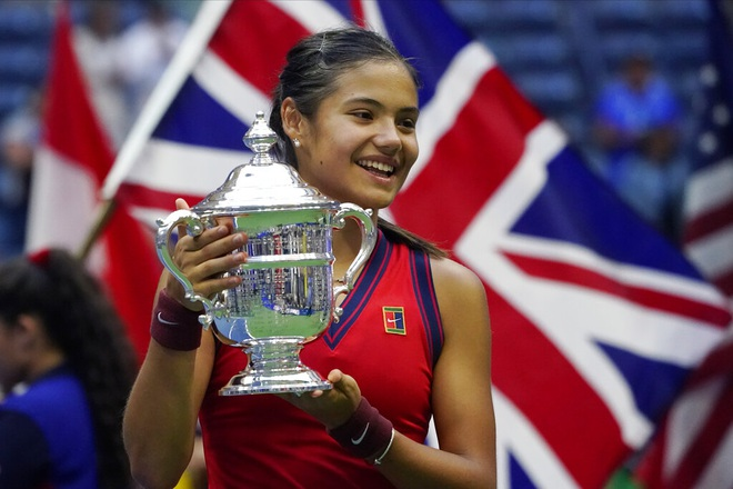 Tay vợt 18 tuổi Emma Raducanu rộng cửa tiến xa tại Indian Wells 2021