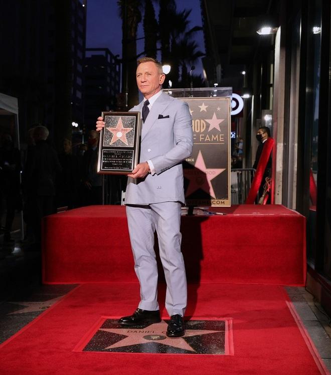 Điệp viên 007 Daniel Craig nhận sao trên Đại lộ Danh vọng