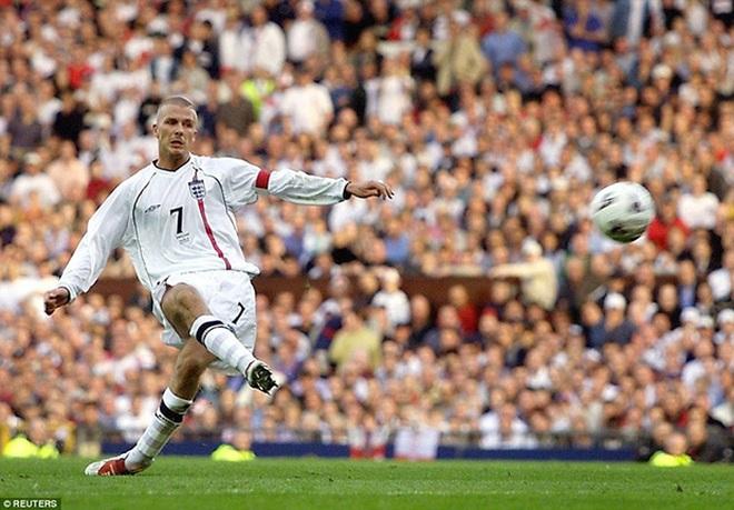 Biểu cảm lúc xem lại trận đấu cũ của David Beckham đạt hơn 5 triệu view - 2