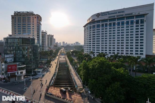 Metro Nhổn - ga Hà Nội: Công trường hoang vắng, cỏ dại mọc um tùm - 2