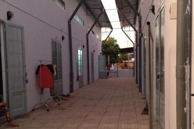 Chủ nhà trọ ở TPHCM lao đao khi nhiều người thuê bỏ về quê không trả tiền - 2
