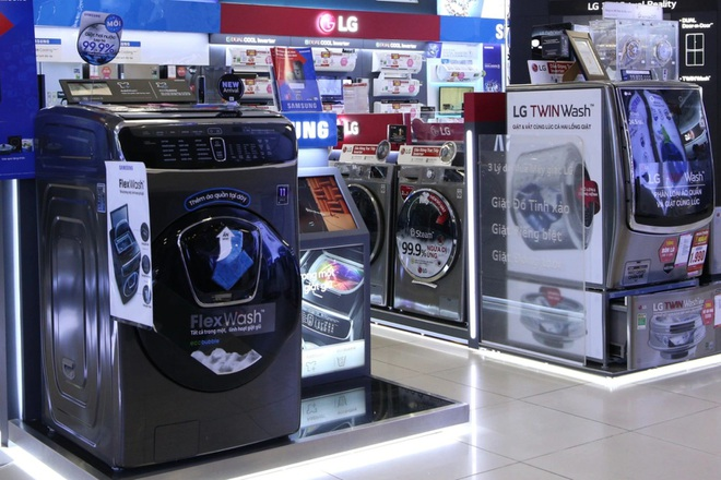 Máy giặt giảm 1/2 giá khuấy động thị trường điện máy cuối năm - 1