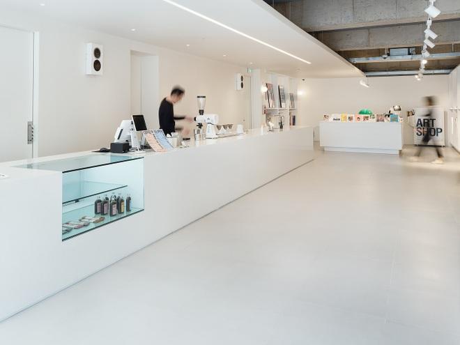 Quán cà phê ngắm biển đẹp lạ, không gian thiết kế như mê cung - 5