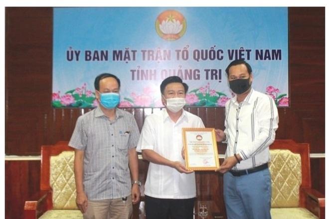 Công an TPHCM đề nghị xác minh hoạt động từ thiện của nghệ sĩ Hoài Linh - 1