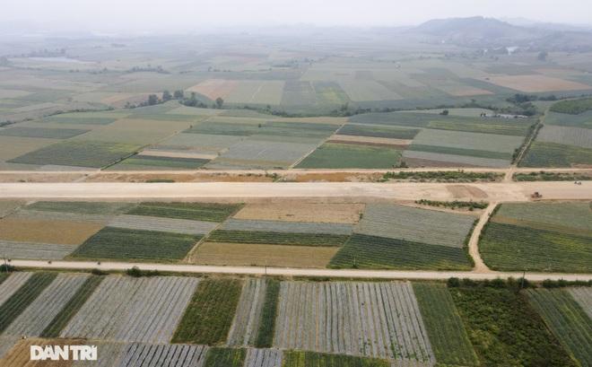 Đường cao tốc Bắc - Nam: Một dự án chậm tiến độ, loạt nhà thầu bị xử lý - 1