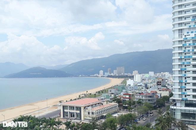 Du khách đến Bình Định nghỉ dưỡng cần có thẻ xanh vaccine - 1