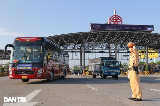 Nóng: Chính thức tổ chức vận tải bằng xe khách trên toàn quốc từ 13/10 - 1