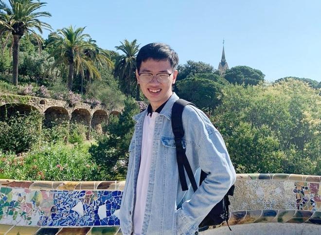 Lê Mạnh Thắng, cựu học sinh chuyên Anh - Lê Hồng Phong Nam Định, thủ khoa tốt nghiệp xuất sắc ngành ngôn ngữ Tây Ban Nha