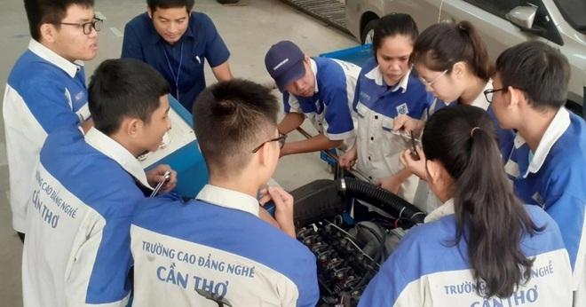 Đề xuất đào tạo cao đẳng 10 ngành nghề cho học sinh tốt nghiệp THCS - 2