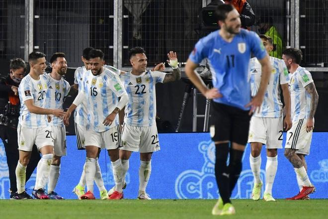 Messi ghi bàn giúp Argentina thắng đậm Uruguay, Brazil hòa thất vọng - 2