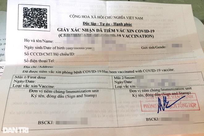 Một giấy xác nhận tiêm vaccine Covid-19 có mộc của Bệnh viện Lê Văn Thịnh (TP Thủ Đức).