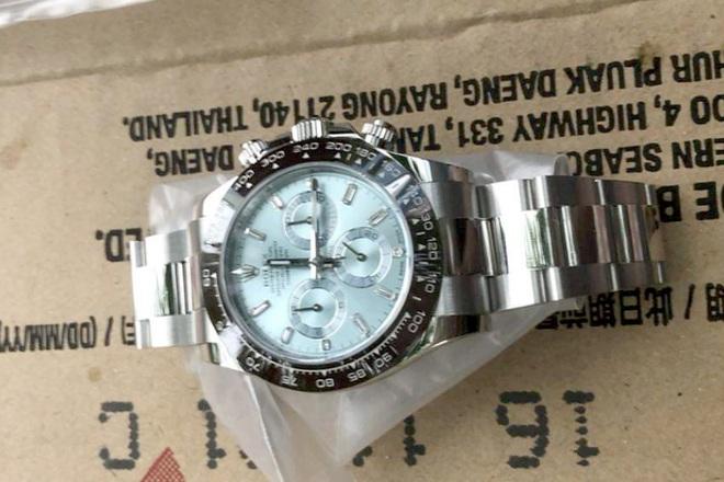 Cô gái đánh tráo đồng hồ Rolex tiền tỷ của người yêu - 2