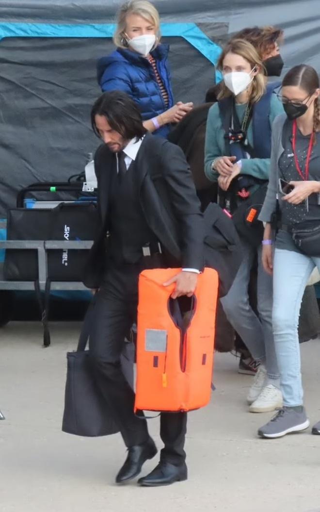 Tài tử Keanu Reeves phong độ ấn tượng ở tuổi 57 - 5