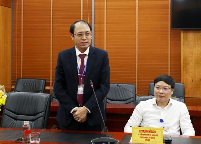 Bộ Nội vụ bổ nhiệm một Vụ trưởng qua thi tuyển - 2