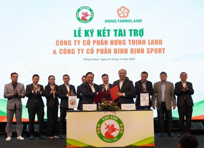 Doanh nghiệp địa ốc sát cánh cùng bóng đá Việt Nam - 3
