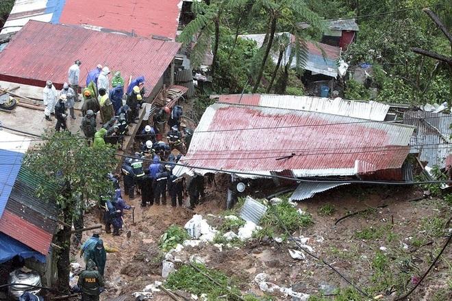 Bão Kompasu càn quét gây lở đất, sập cầu, 11 người chết ở Philippines - 2
