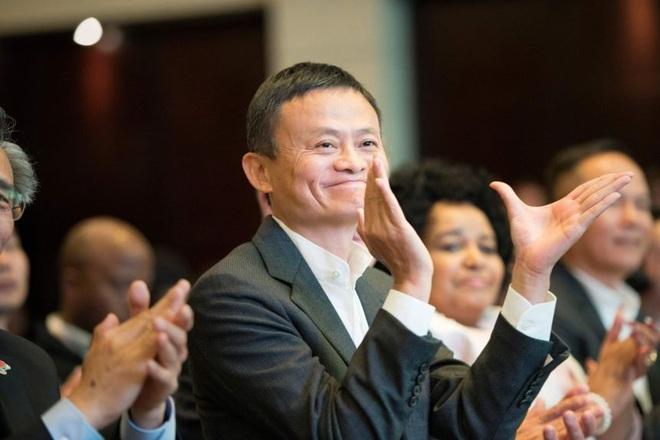Jack Ma tái xuất sau một năm vắng bóng bất thường - 1