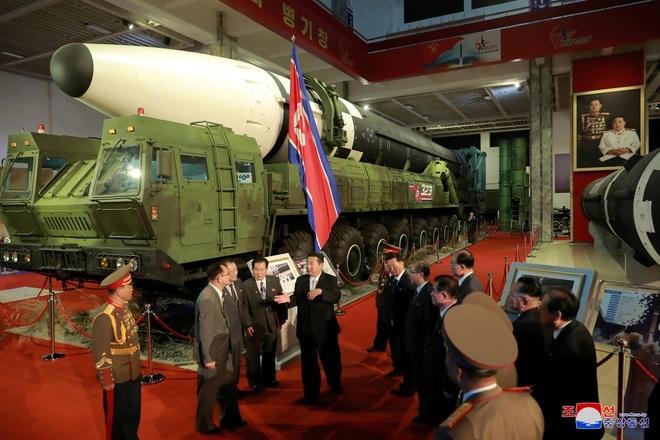 Ông Kim Jong-un tuyên bố xây dựng quân đội Triều Tiên bất khả chiến bại - 1