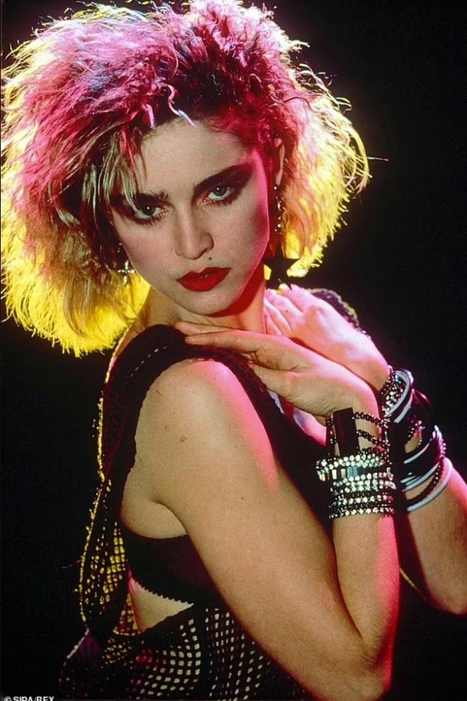 Madonna 63 tuổi vẫn quậy tưng và chỉ đi ngủ khi đã... 4h sáng - 2