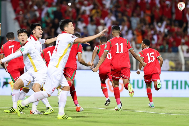 HLV Park Hang Seo: Cầu thủ Việt Nam bất mãn với trọng tài - 2